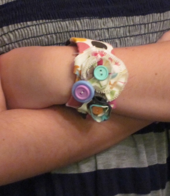 Make a cute fabric slap bracelet.