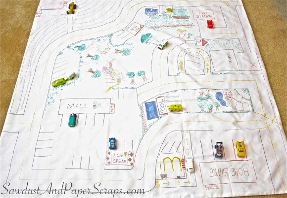 Play and store toy mat. Easy diy project for toy storage!